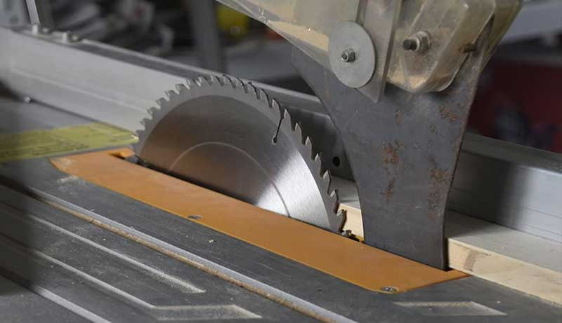 Best Saw Blade for Cutting Engineered Wood Flooring